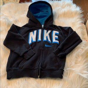 Boys Nike Hoodie Size 5 in EUC!